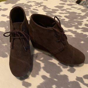 Brown Suede Toms - Size 7 1/2